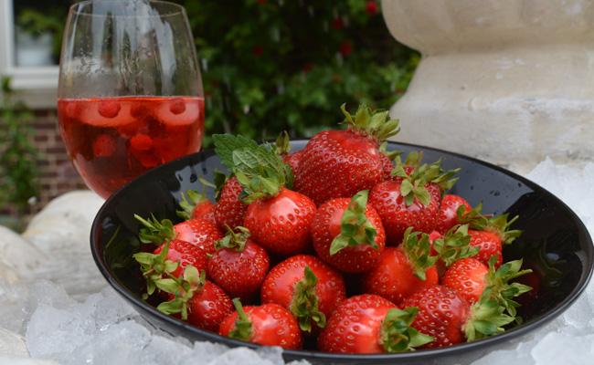 Leckere Erdbeeren auf Bäcker's Hof in Münster